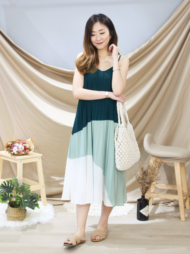 Leah Pleated Swing Midi in Forest
