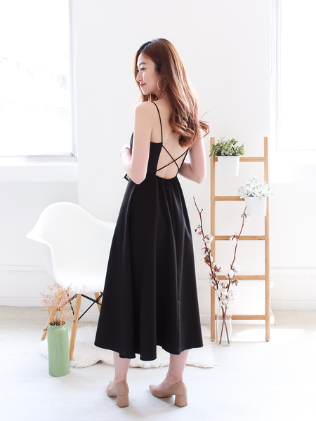 Thea Cross-back Midi in Black