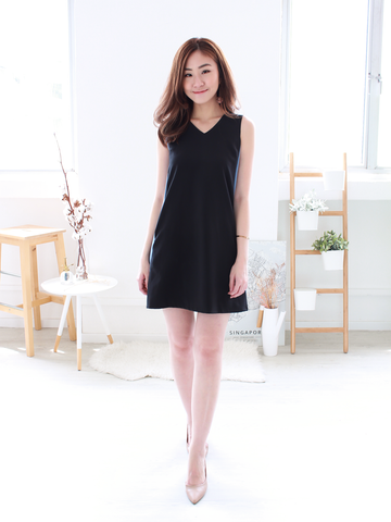 (BACKORDER) Emmett Tie-back Shift Dress