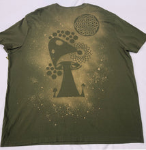 Load image into Gallery viewer, XXXL Hunter Green Trippy Shroom T-shirt One of a Kind