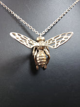 "Load image into Gallery viewer, 24K gold plated ""bee in flight"" pendant"