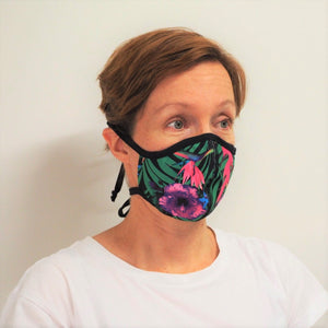 Woman-wearing-SACUL-face-mask