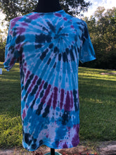 Load image into Gallery viewer, Adult Medium Tie Dye Spiral