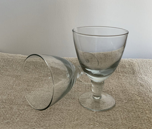 Dansi wine glass
