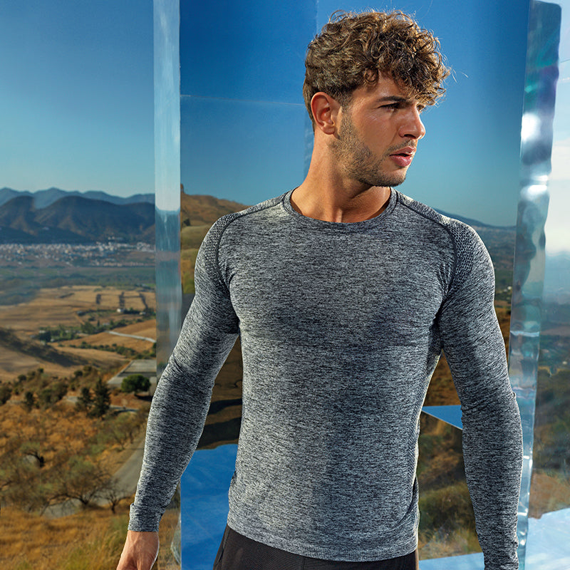 200 Seamless '3D fit' multi-sport performance long sleeve top