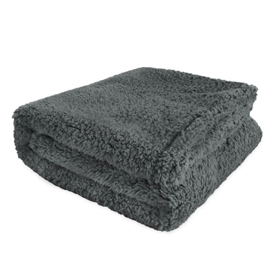 rocket and rex waterproof pet blankets come in all sizes for small to large breeds
