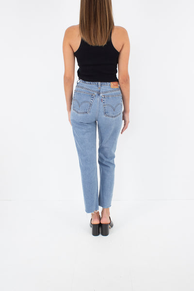 "Levis Jeans - High Waist - Cropped Leg - Light Blue Wash - Size 24"" / XS / 6"