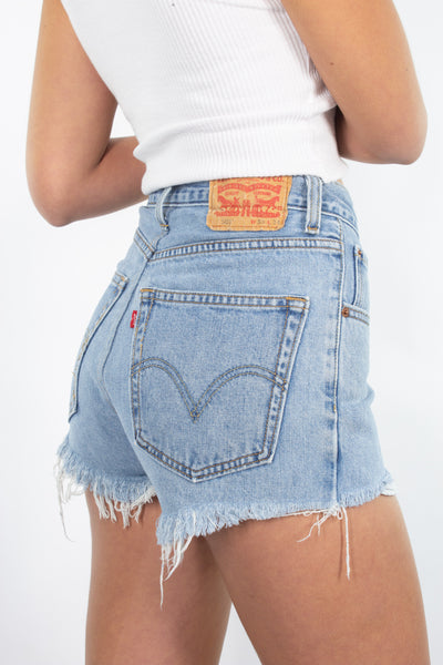 "Levis Denim Shorts in Light-Mid Blue - 10 Sizes - 23"" 24"" 25"" 26"" 27"" 28"" 29"" 30"" 32"" 33"""