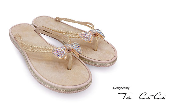 Slippers With Gliterry Diamond Bow