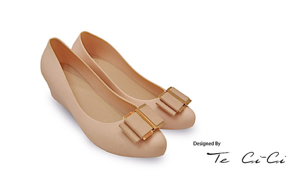 Jelly Wedges with Elegant Bow