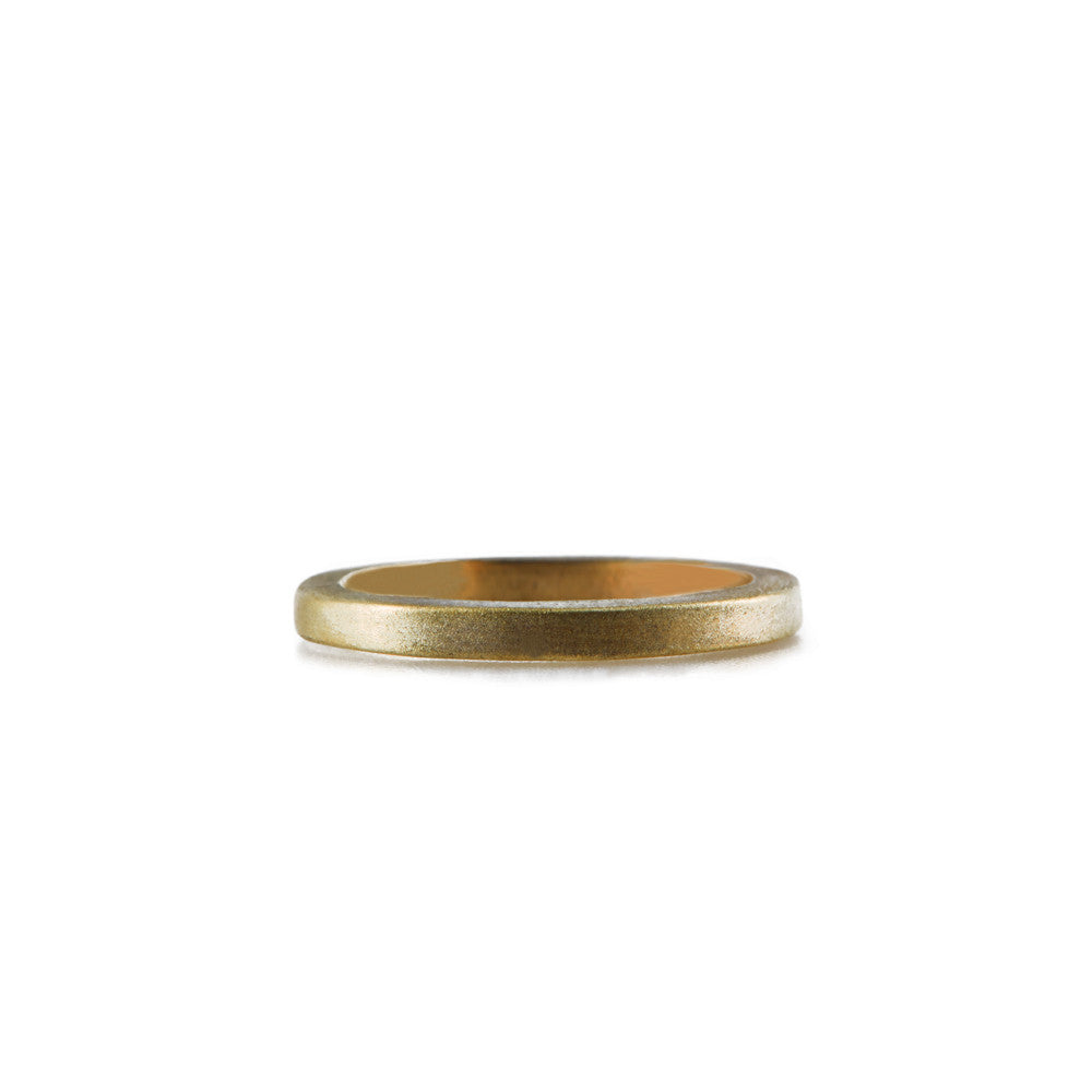SQUARE <p>yellow gold wedding band</p>