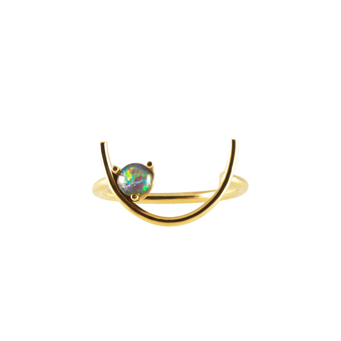 CRESCENT <p>18k gold ring with opal</p>