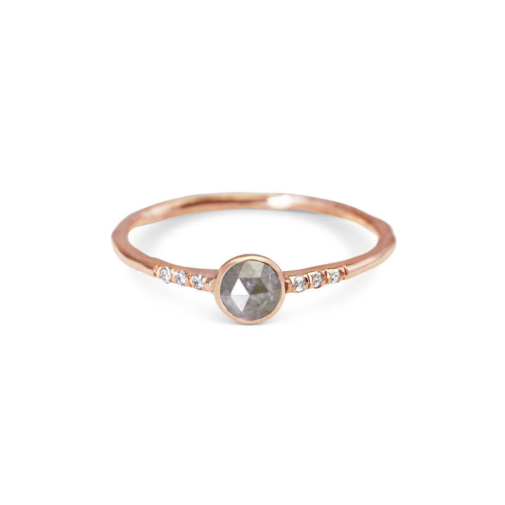 PETITE <p>opaque grey diamond ring<p>