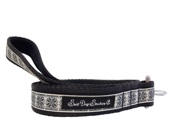 Black Nordic Snowflake Dog Lead ©