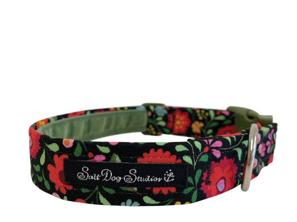 Bohemian Flowers Dog Collar ©