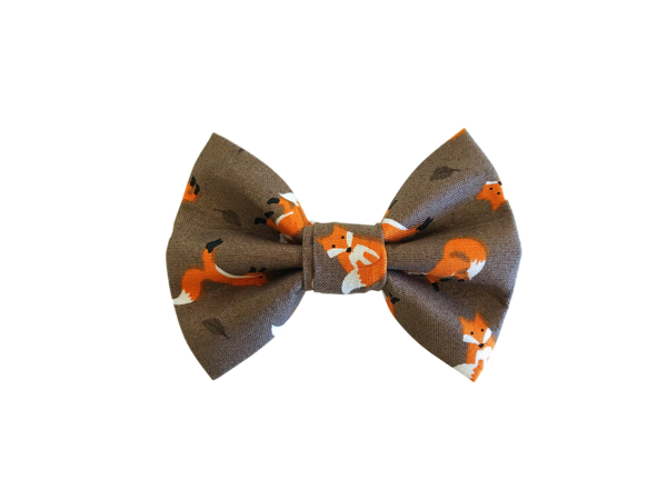 Frolicking Foxes Bow Tie ©
