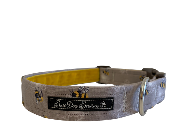 The Bee's Knees Taupe Dog Collar ©