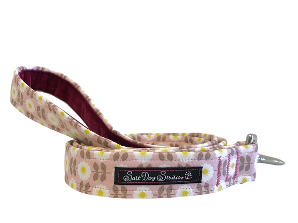 Retro Pink Daisy Dog Lead ©