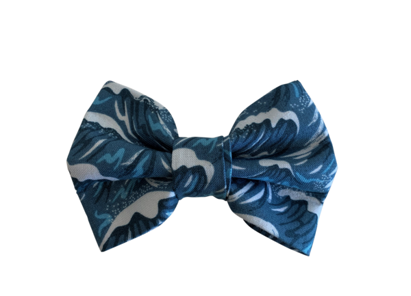 Surfs Up Bow Tie ©