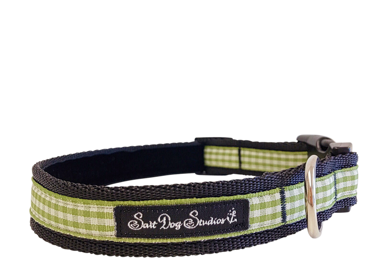 Pistachio Gingham Dog Collar ©