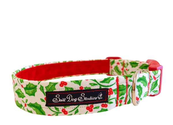 Winter Berry Christmas Dog Collar ©
