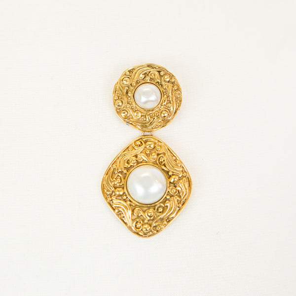 Chanel | Pearl and Gold Pin
