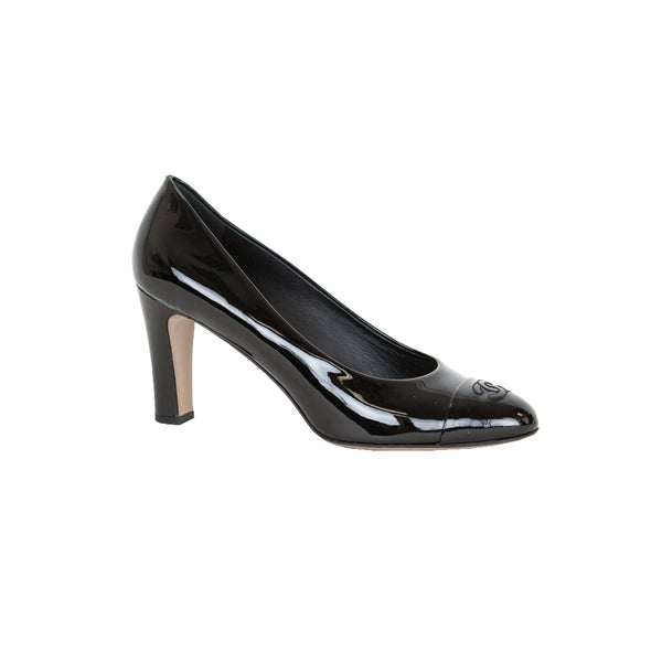 Chanel | Black Patent Leather CC Pumps