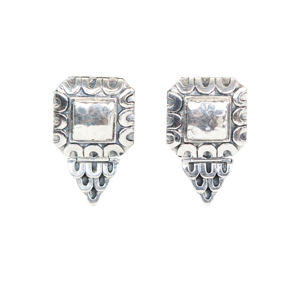 Dian Malouf | Silver Square Scallop Motif Clip-On Earrings