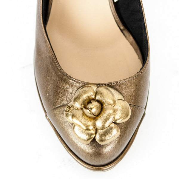 Chanel bronze Camellia slingback high heels with flower decoration