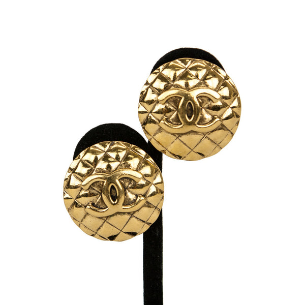 Chanel Vintage Gold-Tone Quilted Disc Clip-On Earrings With The 'CC' Logo Center
