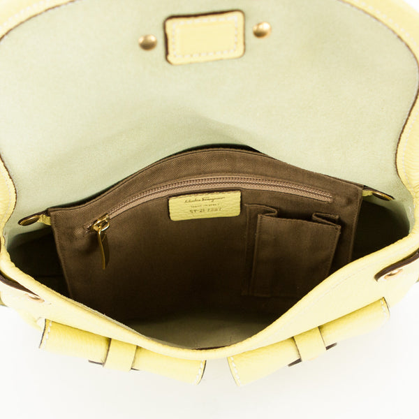 Ferragamo lime leather shoulder handbag open side pocket