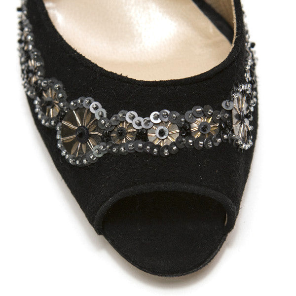 Oscar De La Renta Mid Heel With Sequins Detail Around Toe