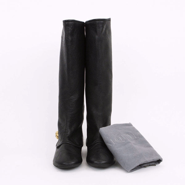 Alexander McQueen black leather boots with skull with dust bag