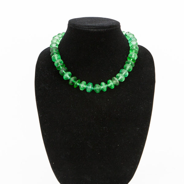 Rebecca Collins emerald green necklace hook and eye closure