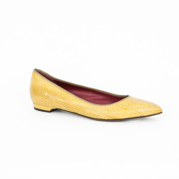Lanvin mustard snakeskin pointed toe flats with olive trim, leather soles and red insoles. 2015 collection