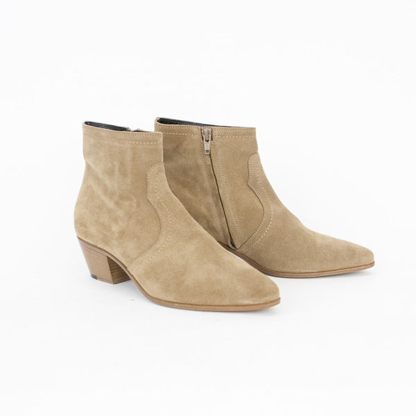 Saint Laurent beige suede Chelsea booties size 8.5
