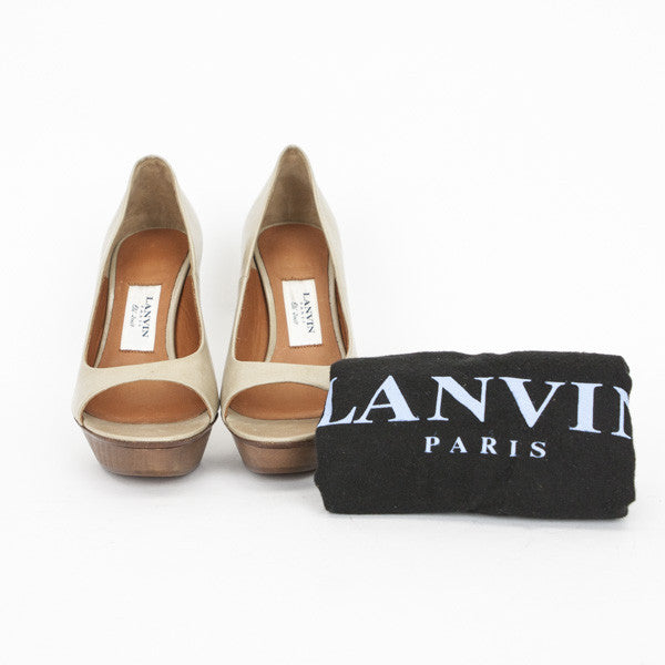 Beige Leather Pumps With Wooden Platform Dust Bag Included