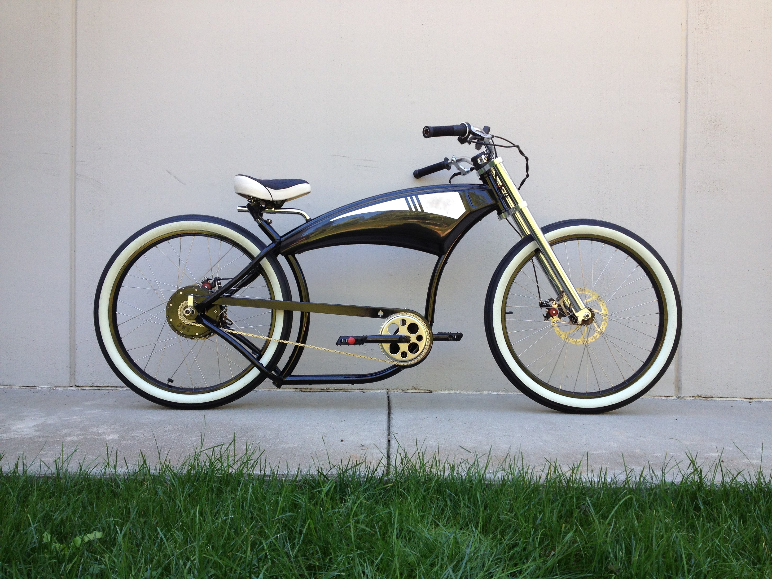 Classic Electric Cruiser 6, full right side view