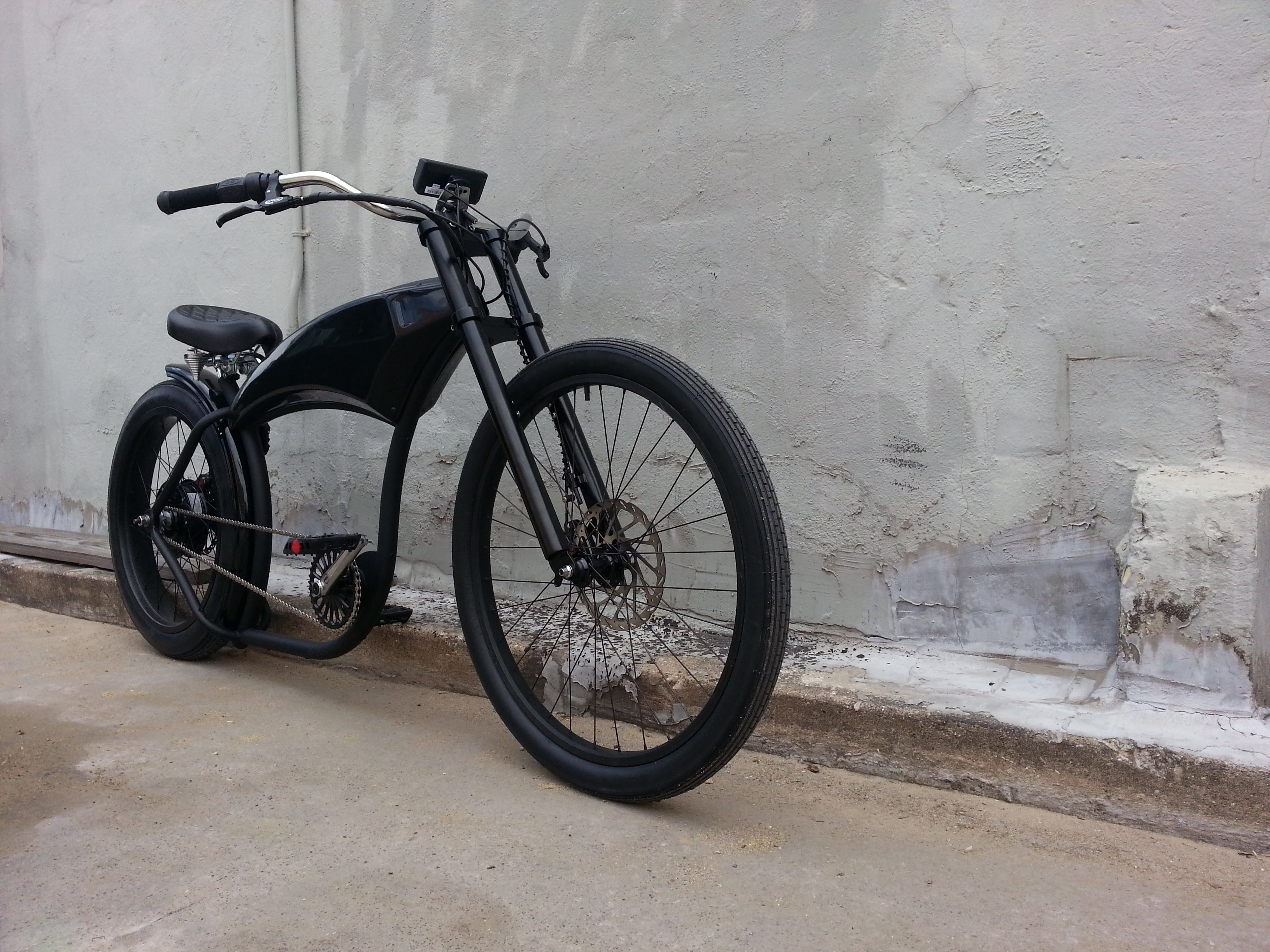 Front Right view of Dark Horse Electric Street Bike
