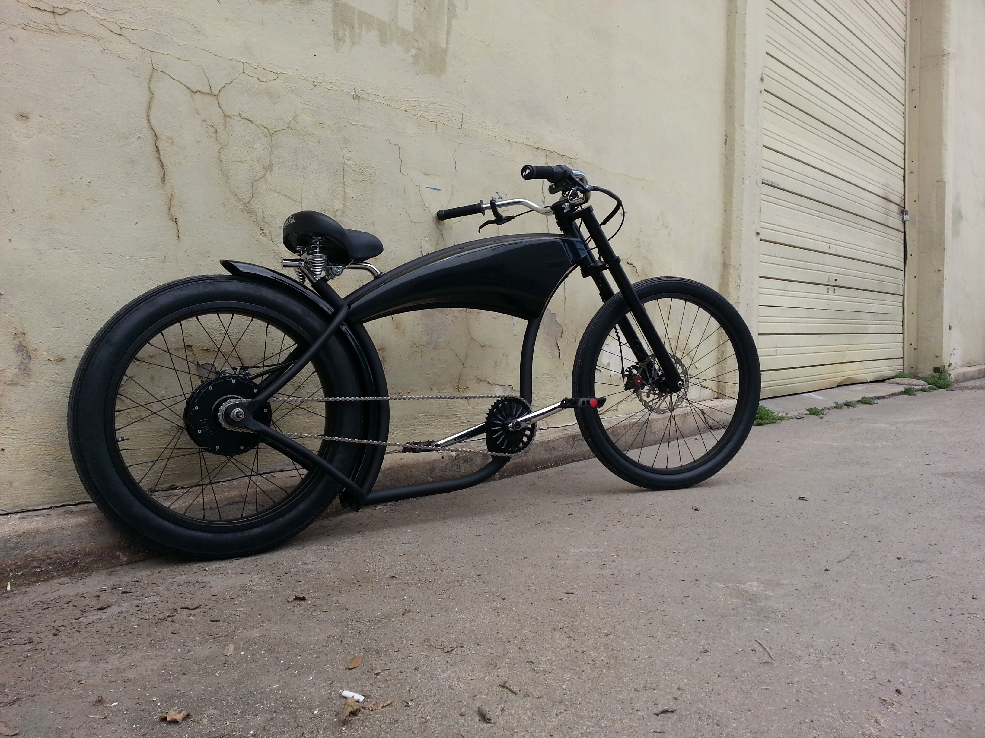 Right Side view of Dark Horse Electric Street Bike