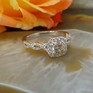 What is Custom Jewelry at Warren Jewelers?