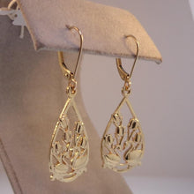 Two Swans Tulip Floral Earrings in 14K Yellow gold