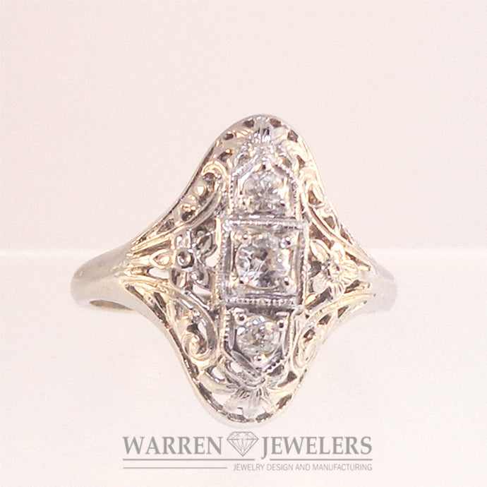 Vintage .21ctw Old European Cut diamonds Ladies Estate Styled Ring