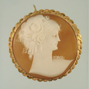 Vintage Estate Cameo Italian Shell Brooch Necklace 10K Yellow Gold