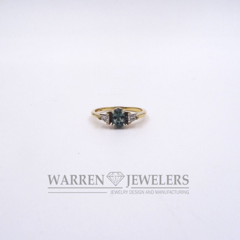 Natural Alexandrite and White Diamond Color Change Gemstone Ring 14K YG