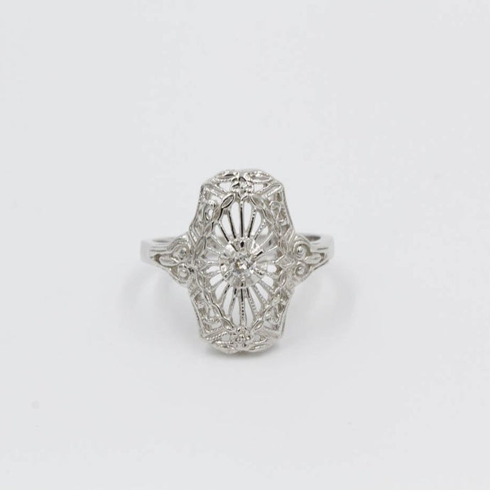Vintage Ladies Filigree Ring with .07ctw Old European Cut diamonds