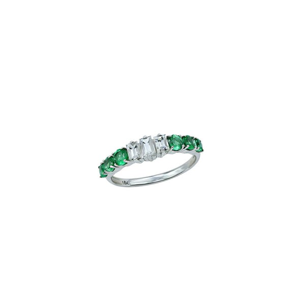 Emerald with diamond is the perfect combination.