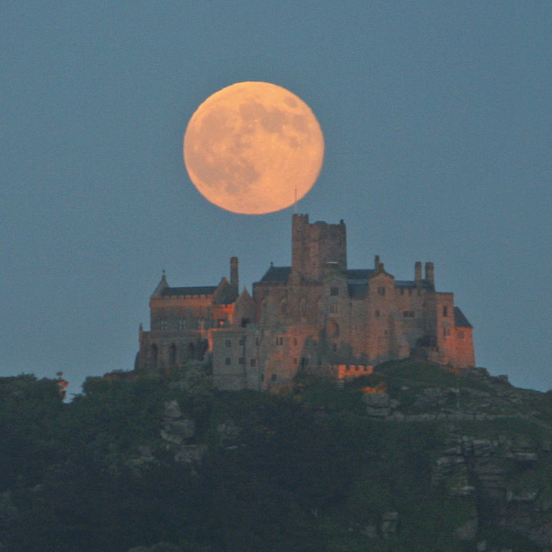 Super Moon above the Mount