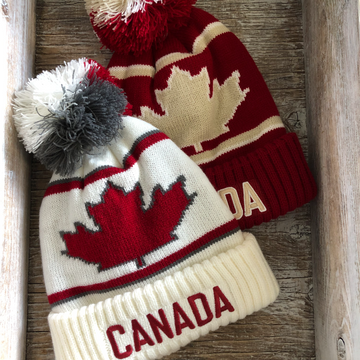 CANADA TOQUE WITH POMPOM AND MAPLE LEAF
