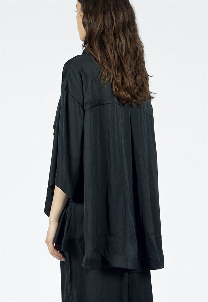 Nu Three-Quarter Sleeve Dip Hem Shirt Black